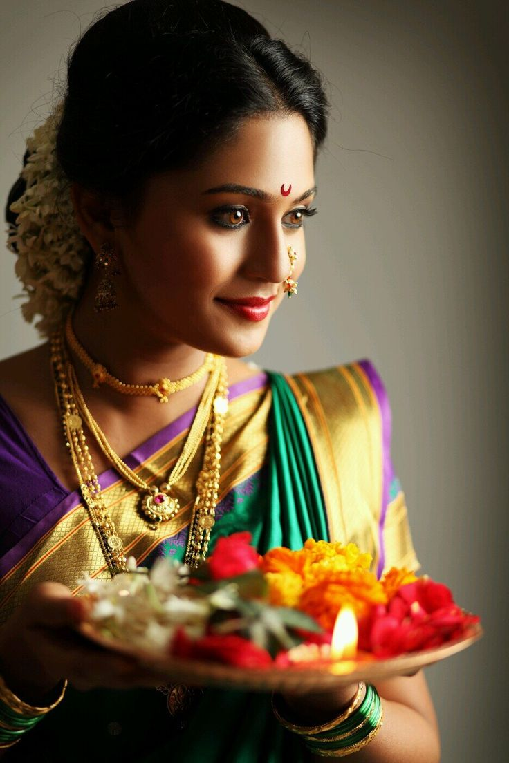 Maharashtrian bridal makeup get the perfect look in 10 easy steps - Mrunmayi Deshpande Is A Popular Marathi Actress Who