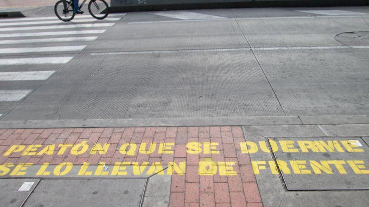 Calle, fragmento de la ciudad, Bogotá consiente  [Bogotá, Colombia] Capturado por William Dueñas (2016). 📷-Street, fragment of the city, Bogota aware [Bogota, Colombia] Captured by William Dueñas (2016).