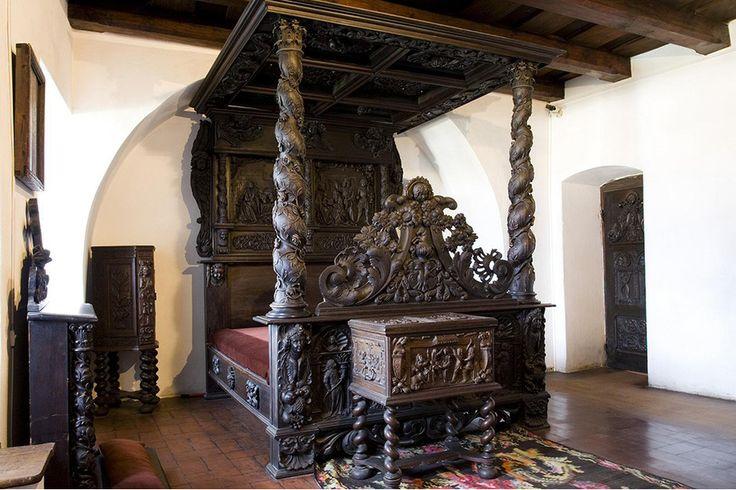 Кровать мечты. Замок Дракулы