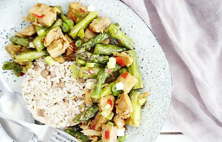 roerbak asperges met rijst en kip