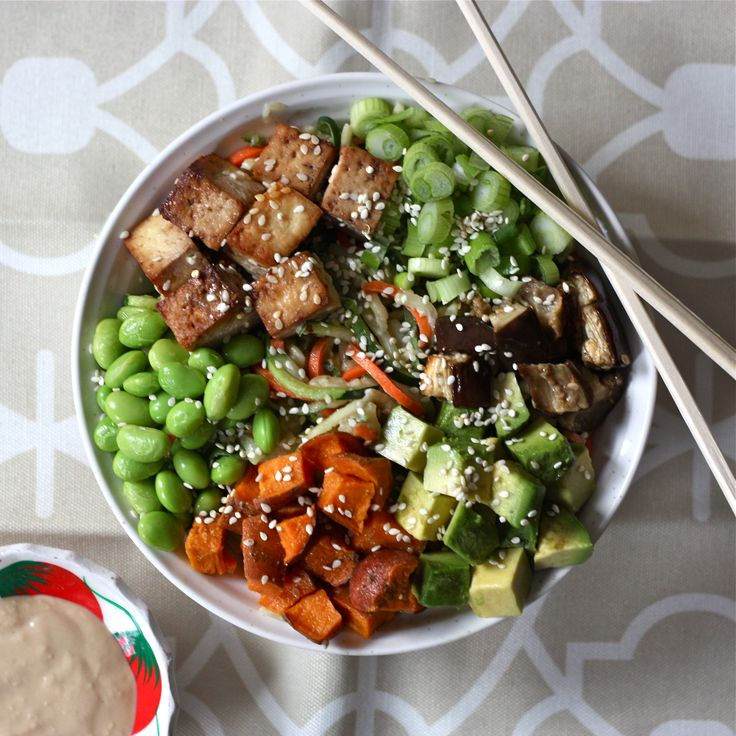 Vegetable Noodle Bowl with Tahini Sauce