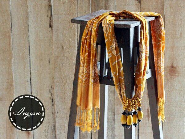 Ruji shawl necklace - stamped batik parish shawl  Price : idr 90k  WA +6285229848246 LINE @ingsun [pakai @ yaa..] BB pin 7ce3de2a  #batik #batikindonesia #indonesia #jumatbatik #kebaya #tenun #kartini #bajuetnik #kalungetnik #asesorisetnik #kalungbatik #ethnicnecklace #ootd #photographysouls #ethniclook #vintage #antique #ethnicscarf #ethnicshawl #batikscarf #batikshawl #handmade #localbrand