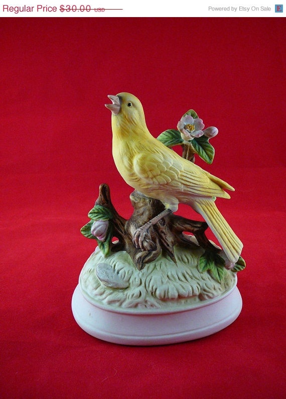 35 Off Christmas in July Vintage Gorham Bisque by JulianosCorner, $19.50: Music Boxes Automaton Snow, Boxes Dr., Gorham Bisque, Birds Music, Beautiful Music, Yellow Birds, Bisque Yellow, Vintage Gorham, Birds Figurines