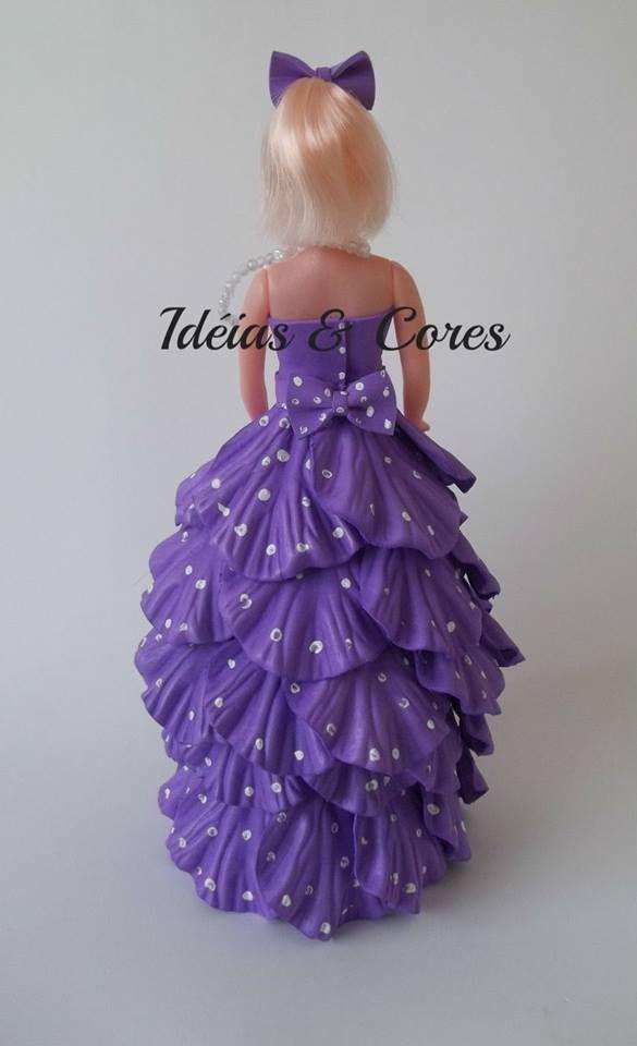 Boneca tipo barbie com roupas em eva  ideiasecoresdecor@gmail.com