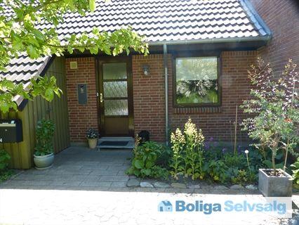 Asser Rigsvej 64, 4400 Kalundborg - Hyggeligt bynært rækkehus med udsigt i eftertragtet kvarter #andel #andelsbolig #kalundborg #selvsalg #boligsalg #boligdk