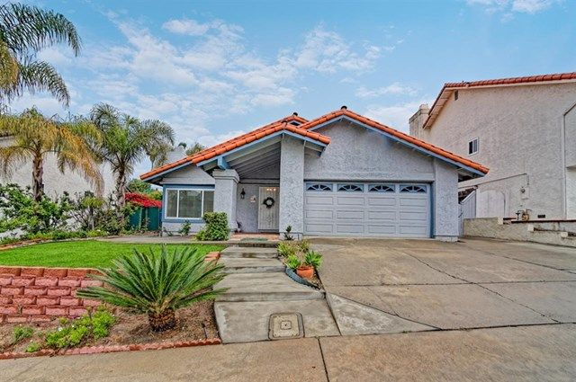 13471 Black Hills Rd San Diego Ca 92129 Features 3 Beds 2 Bath 1798 Sq Ft And Built In 19 San Diego Houses San Diego Real Estate Concrete Patio