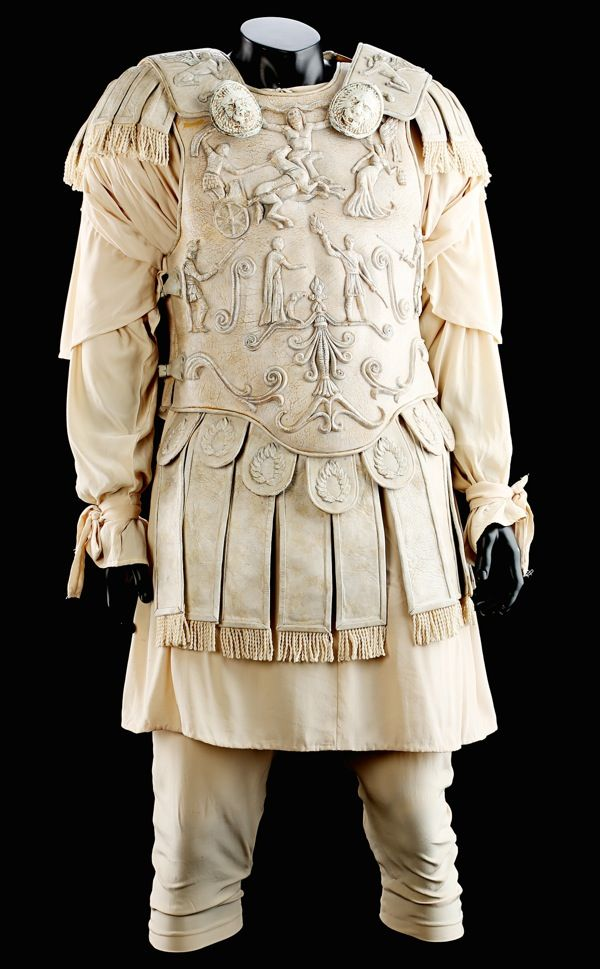 Joaquin Phoenix Commodus arena costume Gladiator | Movie ...