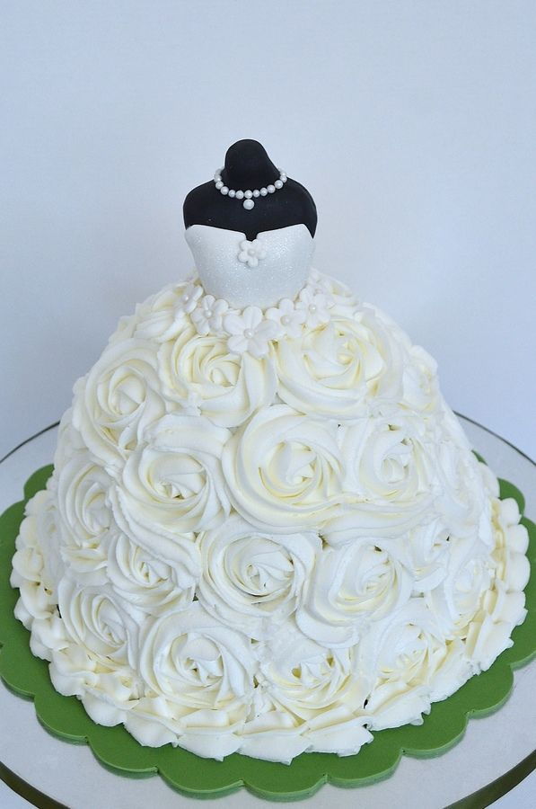Bridal Shower Cake- Ladies, please practice ur cake decorating! :D lol jk! But it is a pretty skirt!
