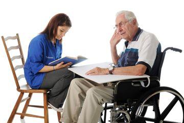 Los seguros de dependencia protegen a la persona dependiente y proporcionan seguridad a los familiares.