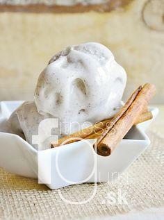 Skořicová zmrzlina ze 3 surovin (z kokosového mléka)