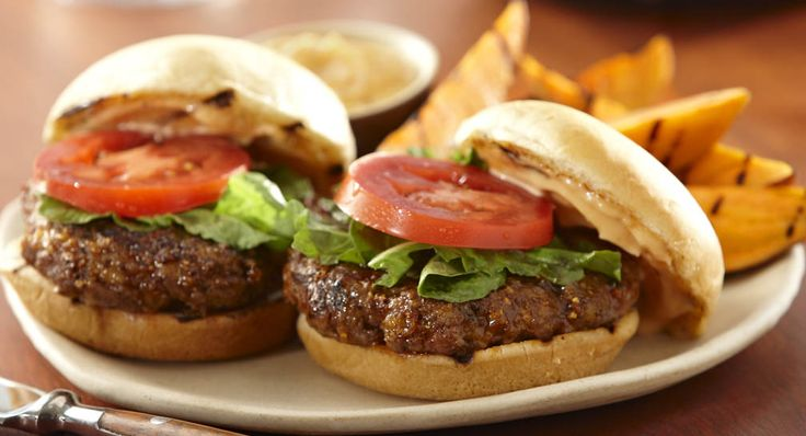 Molasses BLT Sliders: Grill Mates® Molasses Bacon Seasoning adds sweet smoky flavor that livens up burgers. Serve these sliders at a summer cookout or a tailgating party.