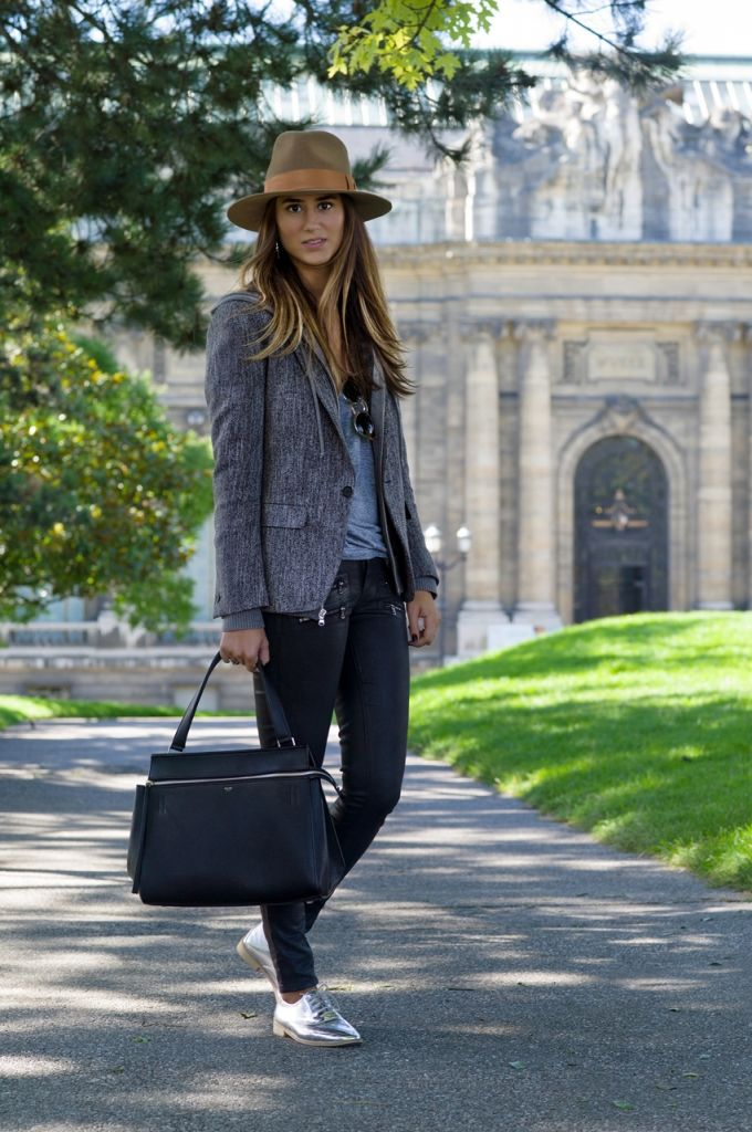 fall outfit idea - wool wide brimmed fedora hat