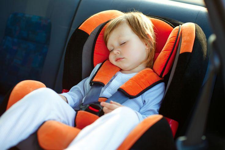 Latem częściej jeździmy z naszymi dziećmi w dalsze podróże samochodem. Warto zadbać o to, aby podróż była komfortowa, ale przede wszystkim ważne, aby była bezpieczna. Odpowiedni certyfikowany fotelik samochodowy to podstawa!