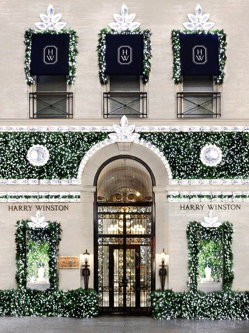 Harry Winston dressed for Holidays