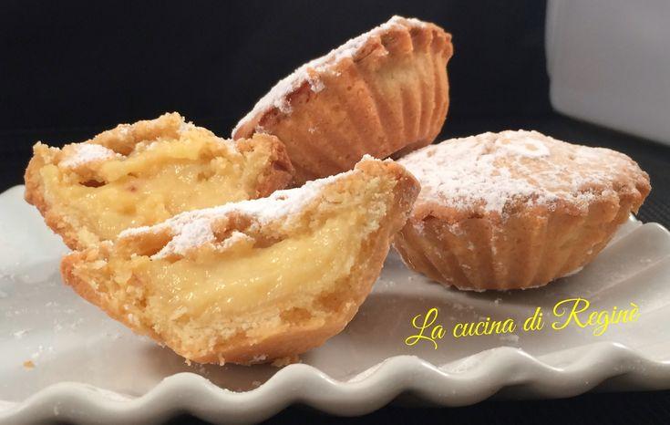 Pasticciotto alla crema una pausa dolce davvero unica un involucro di pasta frolla con una cuore di crema pasticciera, una vera delizia