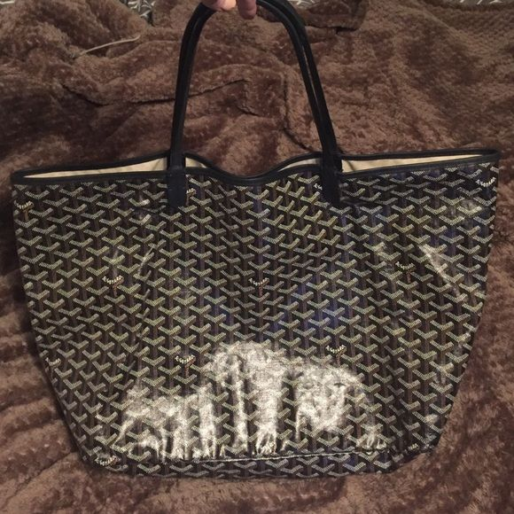 Authentic GM GOYARD TOTE BAG Authentic GOYARD St. Louis tote. I've used a couple times. 9/10 condition. Bought at Barney's for $1800. Comes with dust bag and little clutch inside shown in picture. Goyard Bags Totes