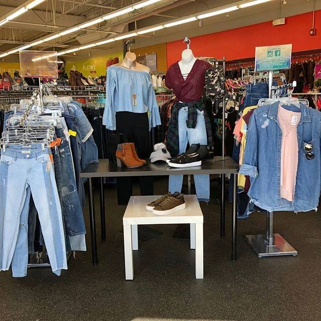 Come Check Out The New Pop Up Shop At Schaumburg Plato S Closet Check Out All The Latest Trends In Denim From All Your Favo Pop Up Shop Latest Trends Wardrobe