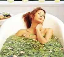 Jak przygotować ziołową kąpiel na katar?