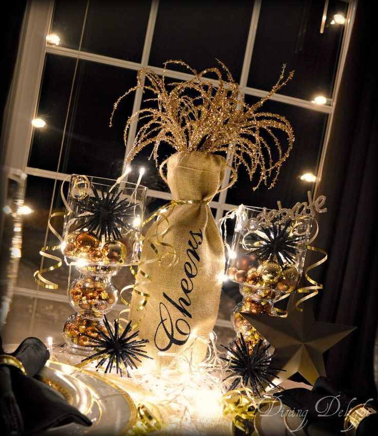 New Year's Eve Tablescape in Black & Gold New years eve