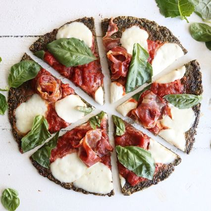Spinach and Kale Crust Pizza, Gluten free, totally delicious! Easy Pizza Recipes