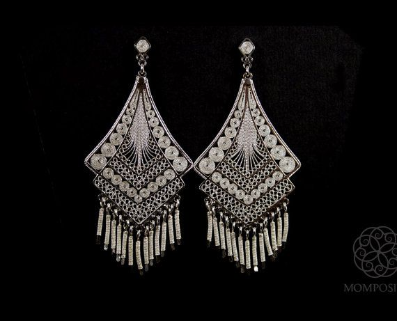 Woven silver filigree traditional long earrings made in ultra-thin treads of the finest grade silver from Bolivar, Colombia, South America.