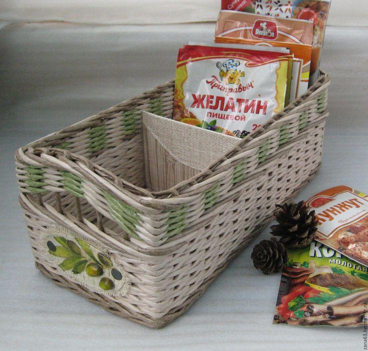 Купить или заказать Корзинка  для специй 'Олива' в интернет-магазине на Ярмарке Мастеров. Великолепная корзинка в нежных тонах поможет навести порядок на кухне, в ванной, туалетном столике. Удобная, вместительная. Может выполняться в различной цветовой гамме.