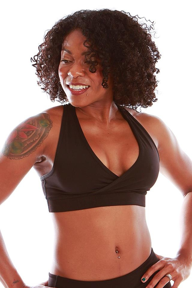 Ella Top in Black  Link: http://ow.ly/6upFu  $36.00: Mika Ella, Tops Black, Yoga Wear, Ella Tops, Black Link, Yoga Tops, Products