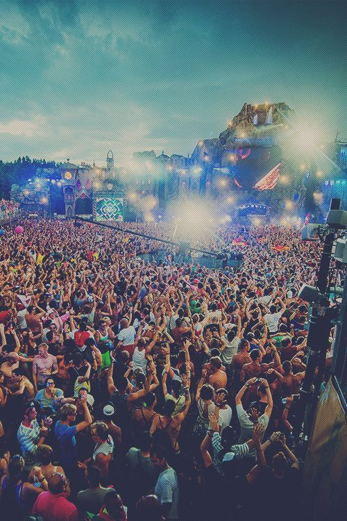 Rave-Republic — Tomorrowland 2013 | StudioBrussel