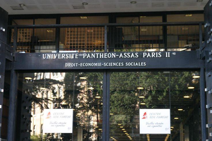 Assas, cette jungle  sauvage - En 1971, il n'y avait pas d'amphi suffisamment grand en Sorbonne pour accueillir plus de 1000 étudiants. Alors nous avons fait notre 1e année à Assas. En 2e année, nous n'étions plus que 250, alors nous avons téintégré la Sorbonne.