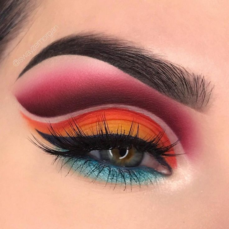 """12.9 mil Me gusta, 54 comentarios - Juvia's Place (@juviasplace) en Instagram: """"Stepping into fall with a color bang  @swayzemorgan ・・・ ⭐️ @juviasplace The Zulu palette"""""""