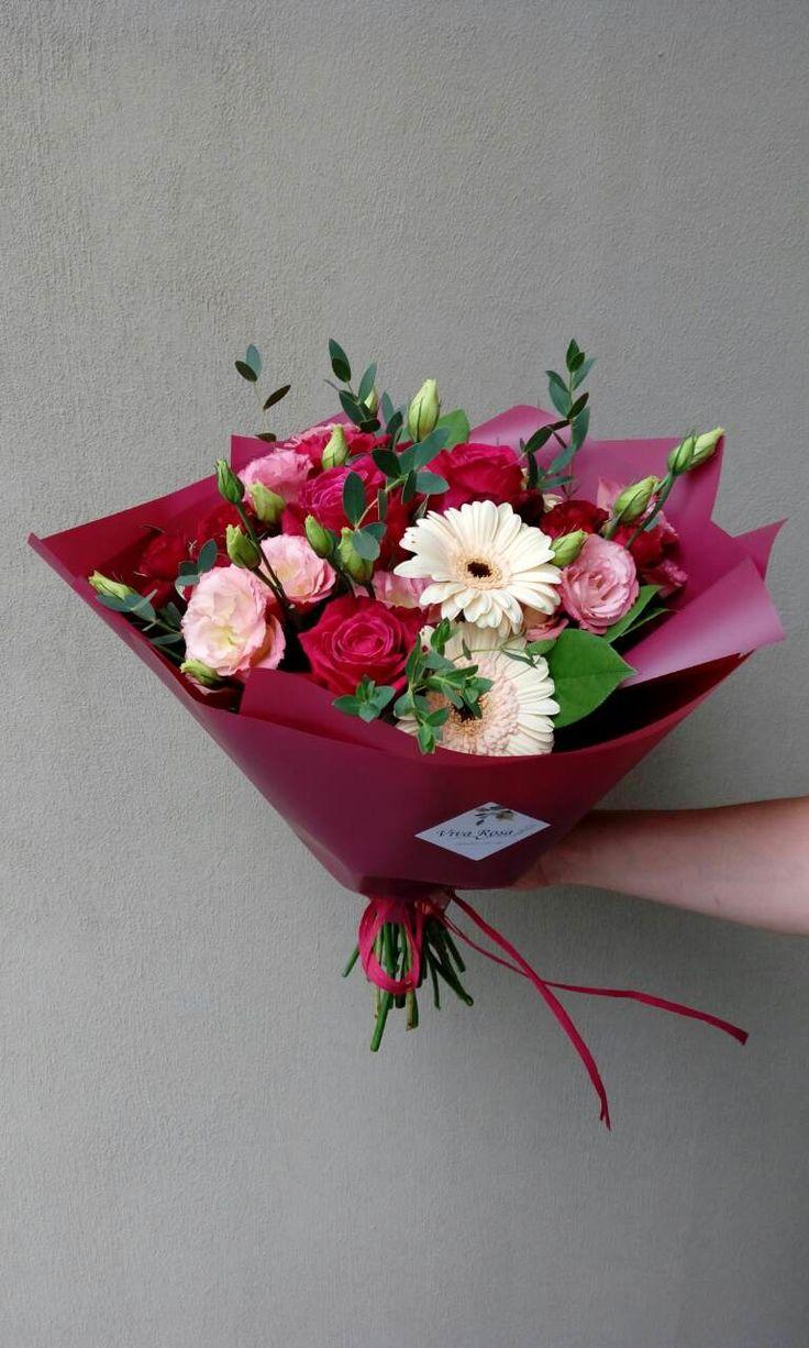 Страстный, малиново-кремовый женский букет, был доставлен сегодня яркой личности)) #vivarosa #создаемнастроение #доставка #цветы #весьмир #фруктовыйбукет Сделать заказ 050-362-35-55 Viber/WhatsApp