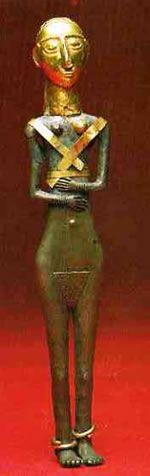 idol height=469na Tanrıça Hasanoğlan idol, 3. bin yıl sonu, h:24.4 cm. gümüş, altın(Ana. Med. Müz.