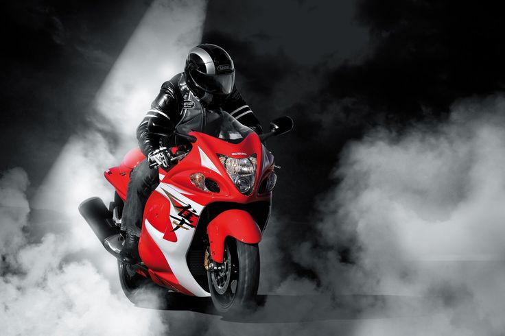 Which do you think are the fastest street motorcycles in the world? Take a look to find out!