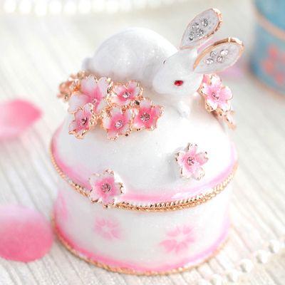 【ジュエリーボックス】うさぎと桜B桜山&ウサギの小物入れ