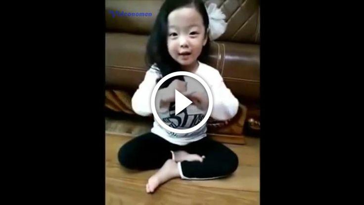 Birbirinden Komik Koreli Bebekler: Komikkategorisindeki sevilen bir videodur.Bu… #Komik #birbirindenkomikkorelibebekler #chinese #country