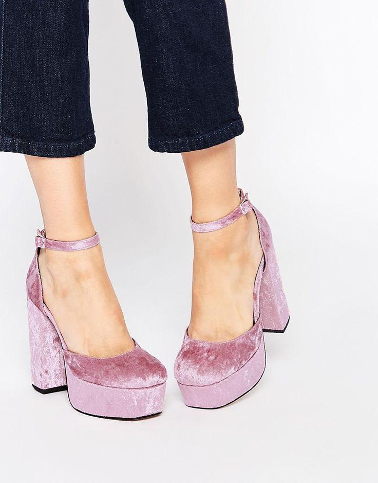 I love the pink velvet shoes, love this shape!