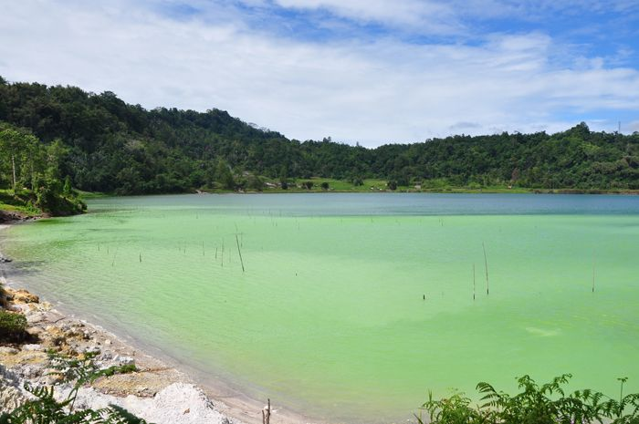 Colorful Sulfure lake at Linow Minahasa