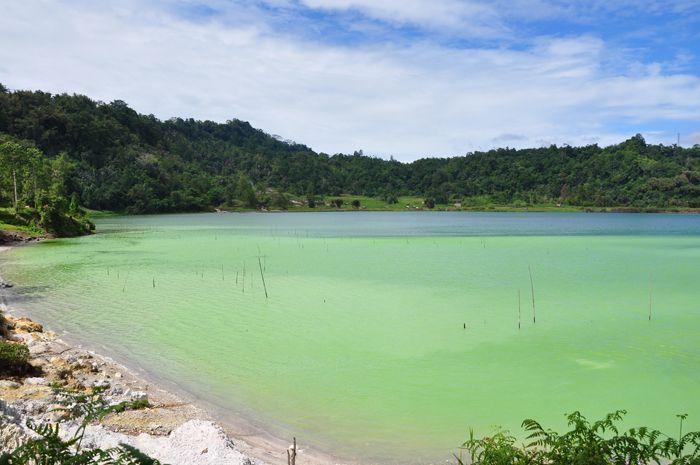 Colorful Sulfure lake at Linow Minahasa