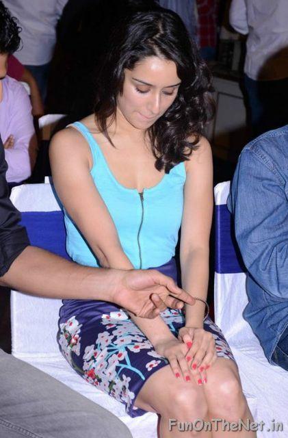 milan-talkies-movie-actress-shraddha-kapoor-unseen-bikini-photos-latest (7)