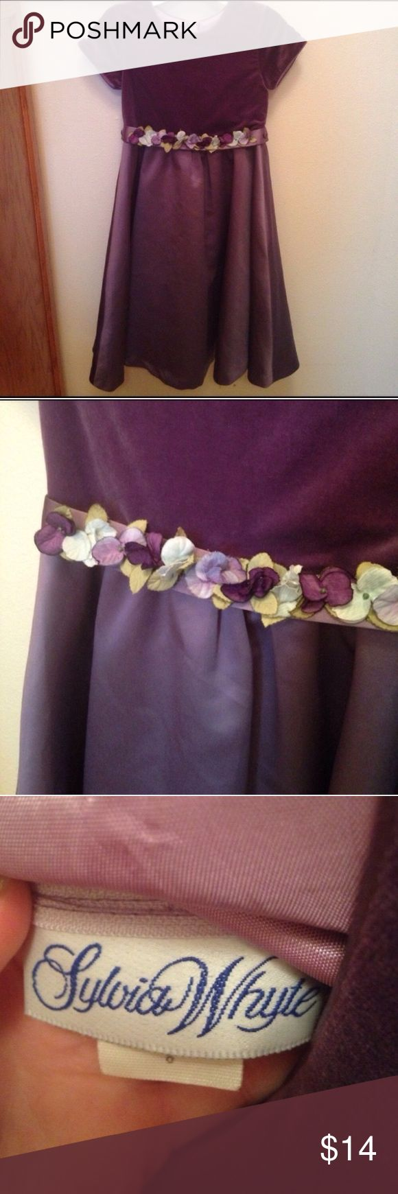 🎉Sylvia Whyte Dark Purple Flower Dress 8 Formal Spring/Summer Special Occasion, Wedding Flower Girl Sylvia Whyte dark purple dress. Has flower belt this is removable. Size 8. In very good condition. Please ask any questions  💲Open To Offers💲 🚫No Trades🚫 📦Ask About Bundle Discounts💰 Sylvia Whyte Dresses Formal