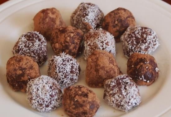 Power-up your weekend rides with these super food power balls. Recipe