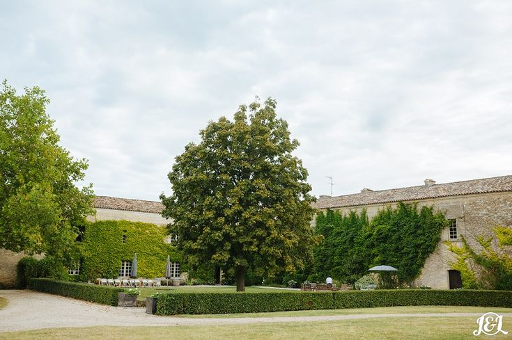 http://jamesandlianne.com/monica-tims-wedding-at-chateau-rigaud-bordeaux/ French Chateua Riguard Bordeaux Wedding Outdoors