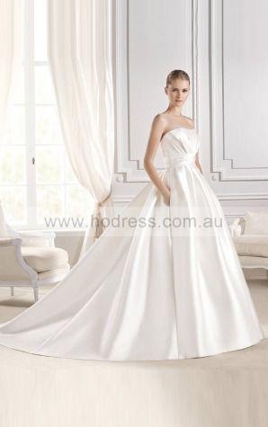 Princess Sleeveless Strapless Buttons Chapel Train Wedding Dresses fvbf1014--Hodress