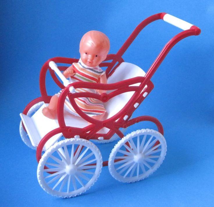 Puppenwagen Sportwagen Rot Mit Puppe Puppenhausmöbel Schwenk   SW27131 /  EAN:4001352271311