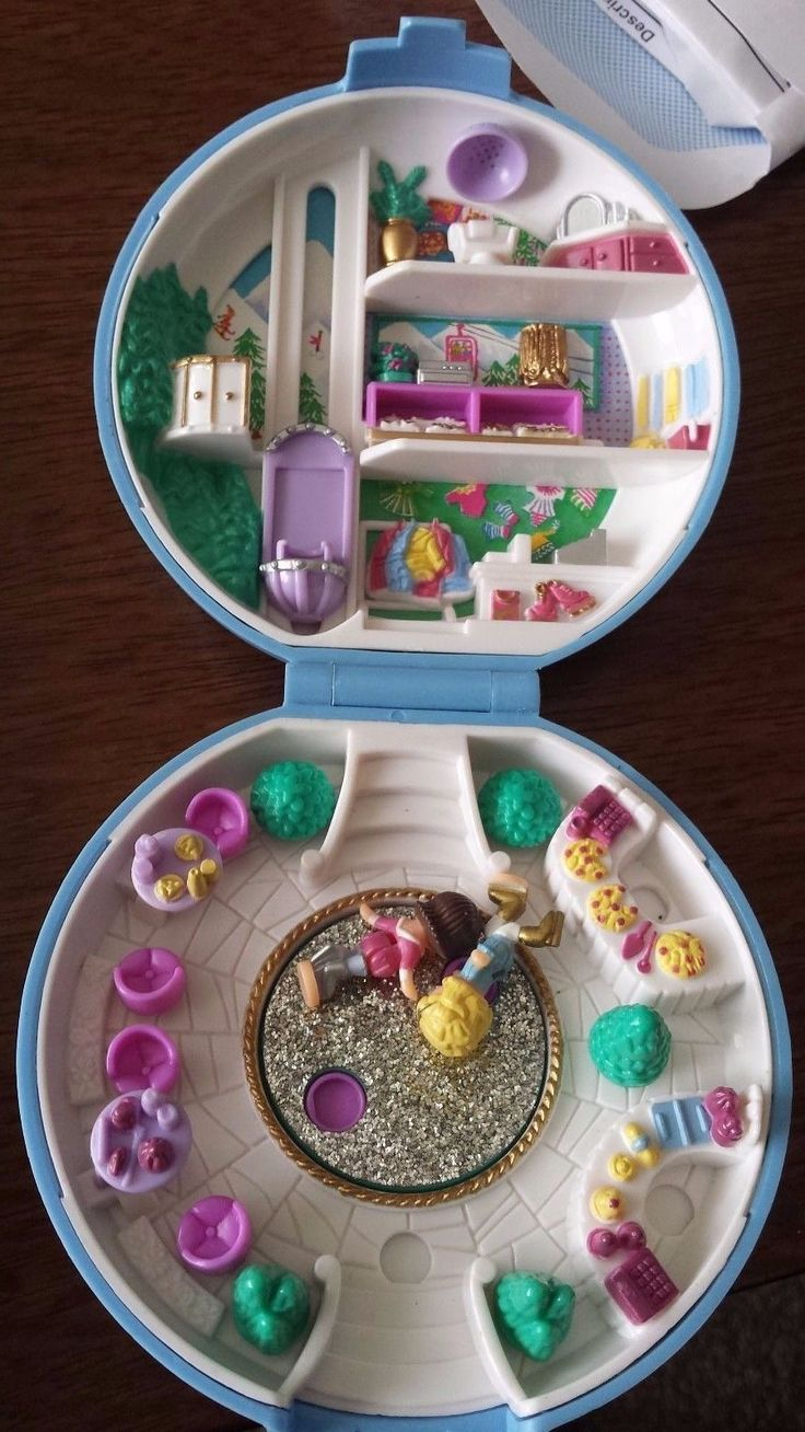 Original Polly Pocket 1989 Compact Ice skating Rink with 2 figures. Bluebird Toy in Dolls & Bears, Dolls, Clothing & Accessories, Fashion, Character, Play Dolls | eBay