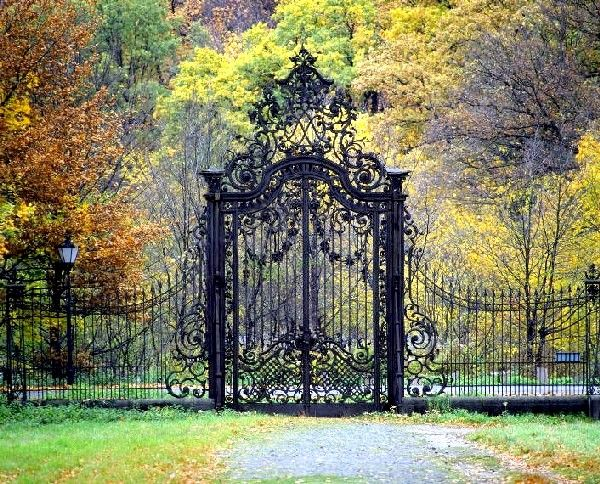 Potsdam   Sanssousi Palace and Gardens    Beauty and I cant wait to go back