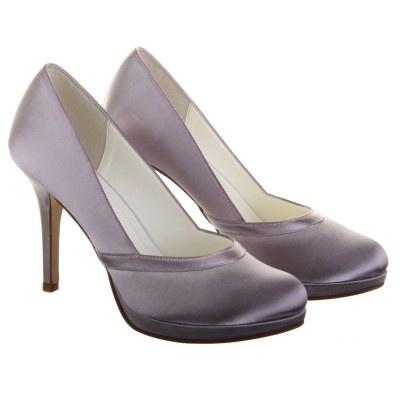 Merlot http://www.chaussures-femmes.com/ateliers-escarpins-couleurs/escarpin-bout-rond-merlot-mariage-else.html
