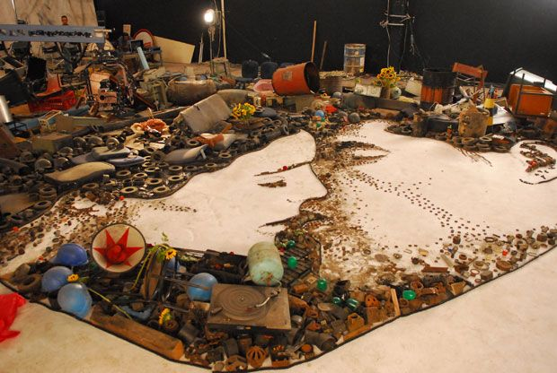 vic munez artwork turmaa | Reading about Vic Muniz, and how he uses dirt, diamonds, sugar, string ...