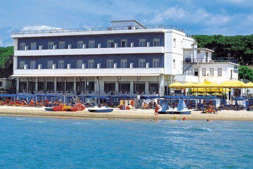 hotel parrini follonica #uplink www.uplink.it