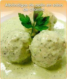 Albondigas de pollo en salsa de cilantro, receta de Chef Ana Paula.